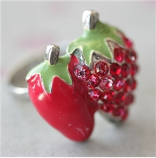 80s Berry Ring