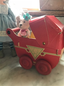 ANTIQUE Paper Pram – WOW!