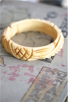 HOTCAKES Sculpted Bangle Ivory - SALE