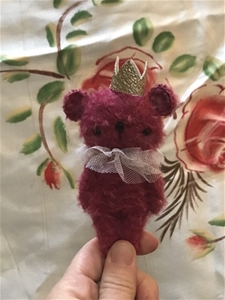Sweet Roses – OOAK Teddy by Jolly Roger