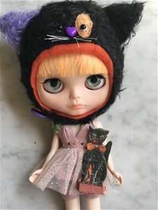 Antique Black Cat - Halloween Flair